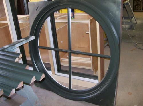 круглые окна деревянные